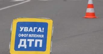 В Киеве таксист врезался в легковушку, потому что заснул: есть погибшая-фото, видео