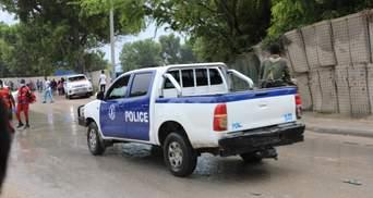 Терорист-смертник підірвався у кафе в Сомалі: вже загинули 6 людей