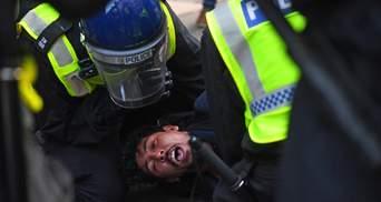 155 протестувальників локдауну затримали у Лондоні: арештували навіть Санта Клауса