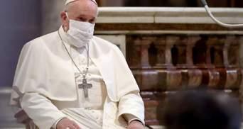 Святі по сусідству і власна історія виживання: Папа Римський підбив перші підсумки коронакризи
