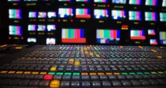 Эксперты по всем вопросам: на белорусском ТВ людей показывают в разных ролях – фото, видео
