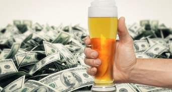 Американец взял в баре пиво за 7 долларов,  но оставил сумасшедшие чаевые: подробности истории