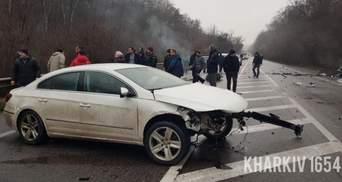 Обгонял по встречке: в Харькове Volkswagen разнес 4 авто – фото