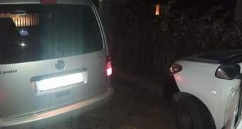 В Киеве патрульные обстреляли автомобиль мужчины, который их чуть не протаранил: видео