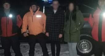 Потерялись после признания: в Карпатах спасли молодую пару – фото