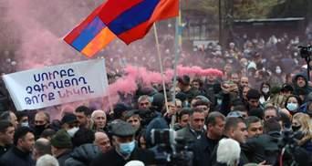 В Єревані тривають протести: мітингувальники поставили Пашиняну ультиматум – відео