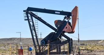Вакцина не врятує: Fitch погіршило прогноз щодо ціни на нафту на 2021 рік