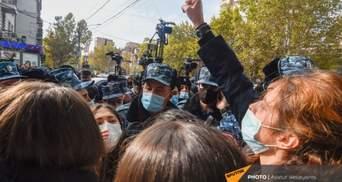 Час ультиматуму закінчився: у Вірменії противники Пашиняна вийшли на вулиці – відео