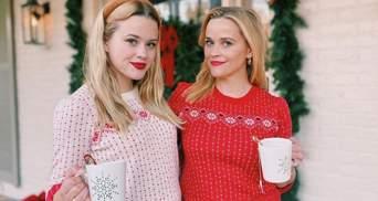 В новогодних свитерах: Риз Уизерспун умилила сеть фото с дочкой