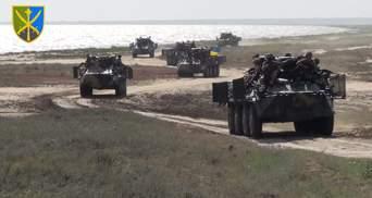 Украинские военные учились сдерживать врага, который высадился на юге: мощное видео