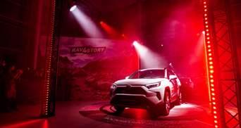 Повний заряд за десять хвилин: Toyota представить прототип нового електромобіля