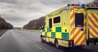 У Лондоні авто протаранило натовп на тротуарі: є поранені – фото