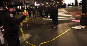Людей разбросало: авто протаранило толпу митингующих в Нью-Йорку – видео 18+