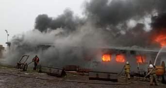 На предприятии Тернопольщины горело помещение с горючим: фото
