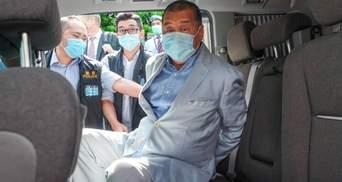 """Медиамагнату из Гонконга грозит пожизненное: ему """"приписывают"""" создание угрозы нацбезопасности"""