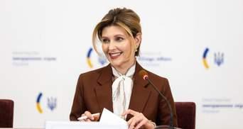 В платье с открытыми плечами: Елена Зеленская показала безупречный образ – фото