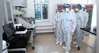 У Казахстані 3 тисячі добровольців розпочали вакцинувати від COVID-19: що відомо