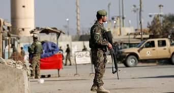 Главную военную базу США и НАТО в Афганистане снова обстреляли: детали
