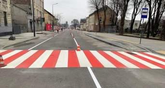 Во Львове открыли для проезда часть отремонтированной улицы Богдана Хмельницкого