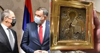 Надо вернуть: посольство Украины обратилось к Боснии относительно подаренной Лаврову иконы