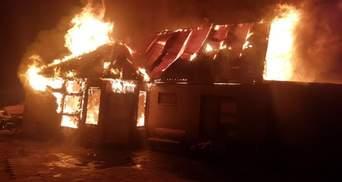 На Одещині повністю згорів приватний будинок через новорічну гірлянду: фото