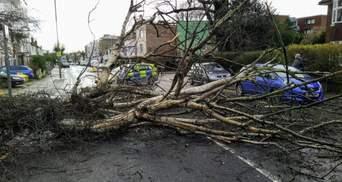 Ураган Белла лютує у Європі: вражаючі фото та відео удару стихії