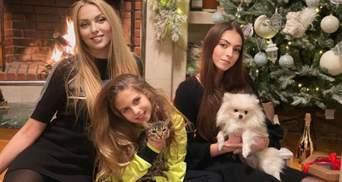 Оля Полякова рассказала, что ее дочери должны заслужить подарок