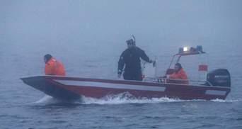 """Крушение судна """"Онега"""" в Баренцевом море: появилось видео с места поисковой операции"""