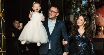 Наталья Карпа показала фото с первого дня рождения дочери: яркие фотографии