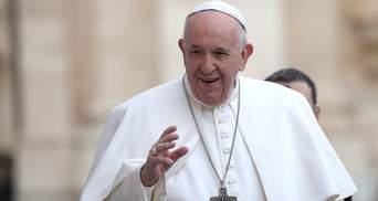 """Папа Франциск засудив тих, хто не залишився на """"карантинні"""" свята вдома"""