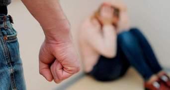 Задушив дружину і викликав швидку: у Львові чоловіка затримали за вбивство