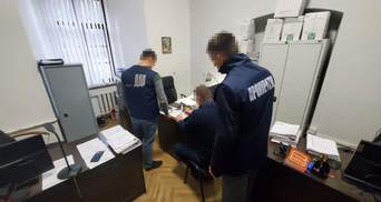 Наїхав на ногу поліцейського: у Львові посадовцю ДФС повідомили підозру – фото