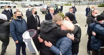 Рождественское чудо: украинские моряки вернулись домой после 5 лет заключения в Ливии