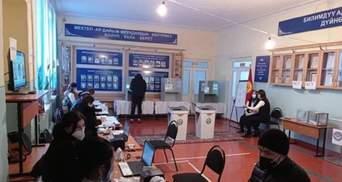 В Кыргызстане проходят выборы президента: фаворитом является освобожденный из колонии Жапаров