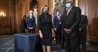 Сукня імпічменту: Ненсі Пелосі двічі одягнула однакову сукню у Палату Конгресу