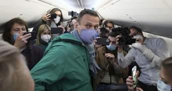 Не боится возвращаться: самолет с Навальным вылетел в Москву