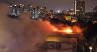 Девушки могли спрыгнуть со 2 этажа: рассказы свидетелей о пожаре на Посмитного в Одессе