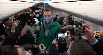 Навального вивезли з Москви, з ним немає зв'язку: що відомо