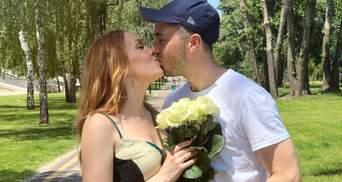 На відпочинку: Alyosha показала рідкісне фото з чоловіком