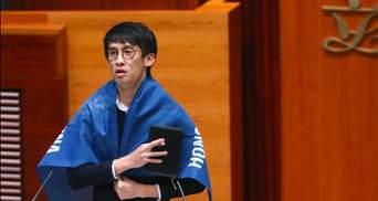 Ад для коммунистов и пример Майдана: революционер из Гонконга откровенно рассказал о протестах