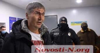 У Миколаєві екснардеп потрапив у скандал через нібито нетверезе водіння: відео