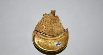 На Закарпатті археологи виявили унікальну золоту прикрасу: фото