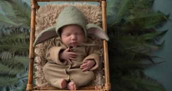 Новонароджені у костюмах Шерлока Голмса та Йоди: фотографиня робить зворушливі світлини немовлят