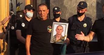 Батько загиблого на Донбасі Ярослава Журавля звинуватив Хомчака у брехні: деталі