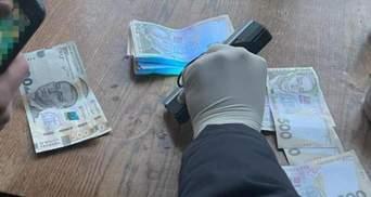 Взяв 70 тисяч гривень хабаря: на Львівщині затримали керівника лісгоспу – фото