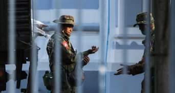 Байден пригрозив санкціями через переворот у М'янмі: реакція світових лідерів та ООН
