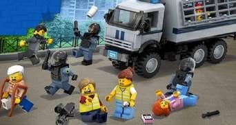 Художник створив конструктор Lego, присвячений протестам у Росії: як він виглядає – фото