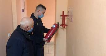 ГСЧС проверяет соблюдение пожарной безопасности в домах престарелых: фото