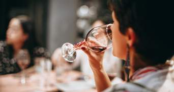 """""""Вино з димком"""": розкриті цікаві подробиці про винний аромат"""