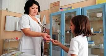 Правительство приняло решение о доплатах медикам, работающим в учебных заведениях